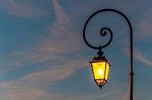 ストリートランプは「あなたの肩をてらし続ける街灯でありたい」を合い言葉に、3つの事業を行っています。